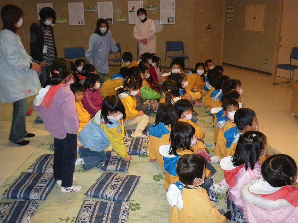 s-(211209)西塩田保育園民話001.jpg